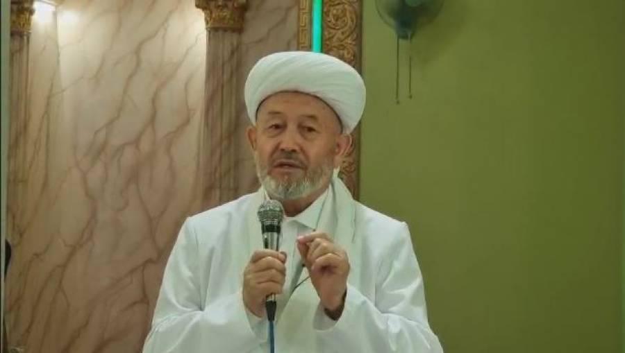 Муфтий ҳазрат иштирок этган жума намозига минглаб намозхонлар ташриф буюрди